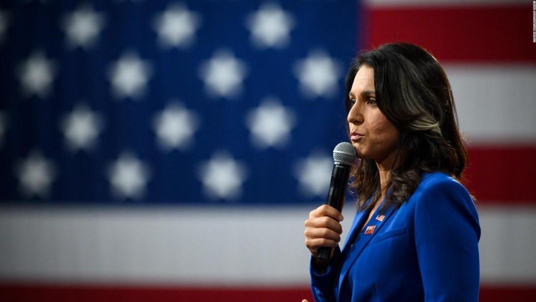 Congresista gana un reto de flexiones