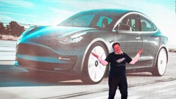 El curioso baile de Elon Musk en Shanghai