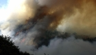 Las llamas devoran cerro Casitagua en Quito
