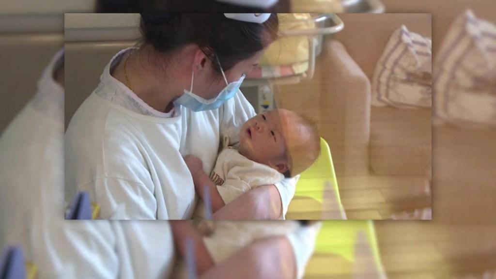 China registra su menor índice de natalidad