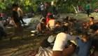 Migrantes en busca de asilo aguardan en frontera con México