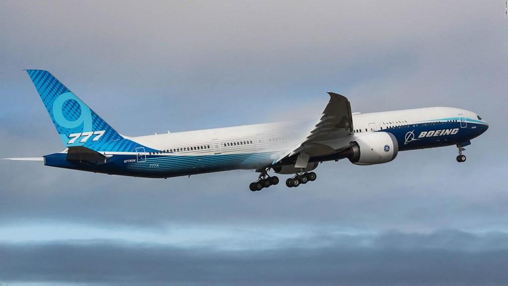 Primer vuelo exitoso del avión bimotor más grande