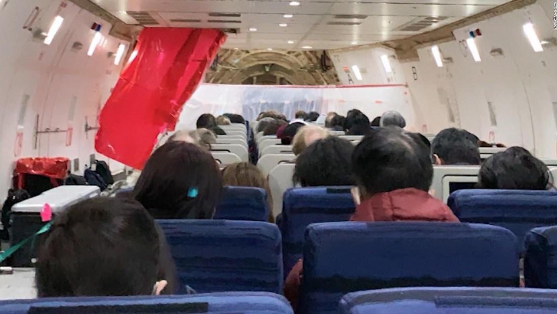 """Evacuado de Wuhan: """"¿Esto es una pesadilla?"""""""