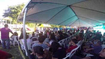 Bajo carpas comienzan las clases en Puerto Rico