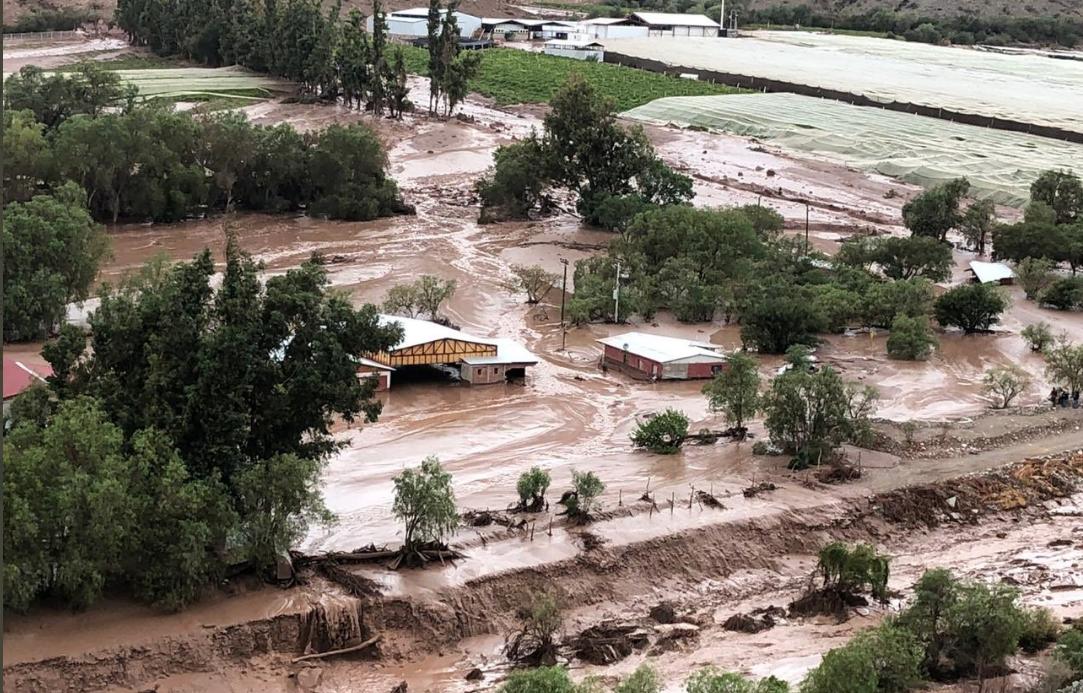 La Oficina Nacional de Emergencia del Ministerio del Interior y Seguridad Pública (ONEMI) de Chile declaró alerta amarilla este lunes en la región de Atacama, al oeste de Chile, por las intensas lluvias que han provocado el crecimiento de varios ríos.