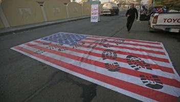 Bandera EE.UU. en Bagdad