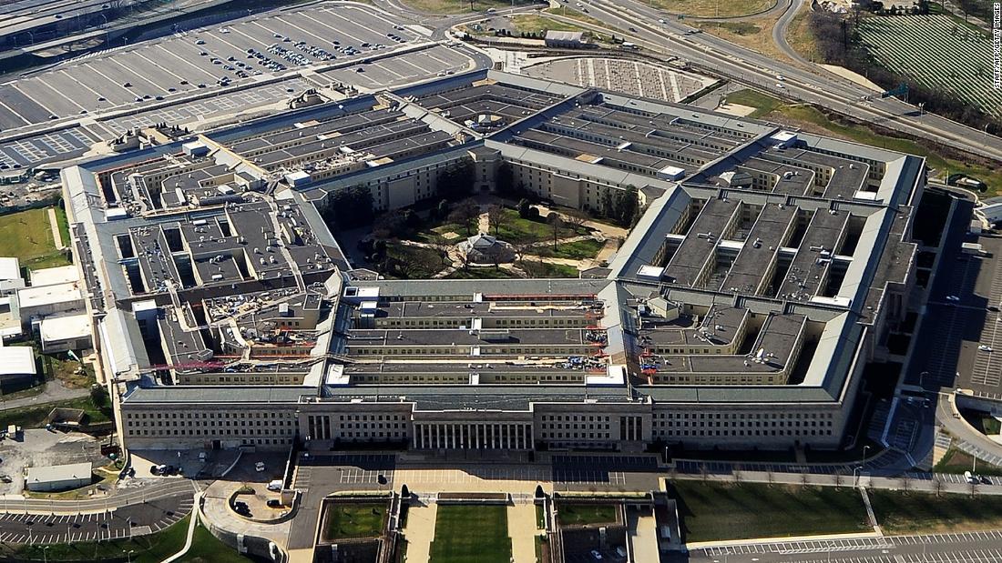 El Ejército de EE.UU. tiene el desafío de mantener el Pentágono funcionando  mientras se propaga la pandemia de coronavirus | CNN