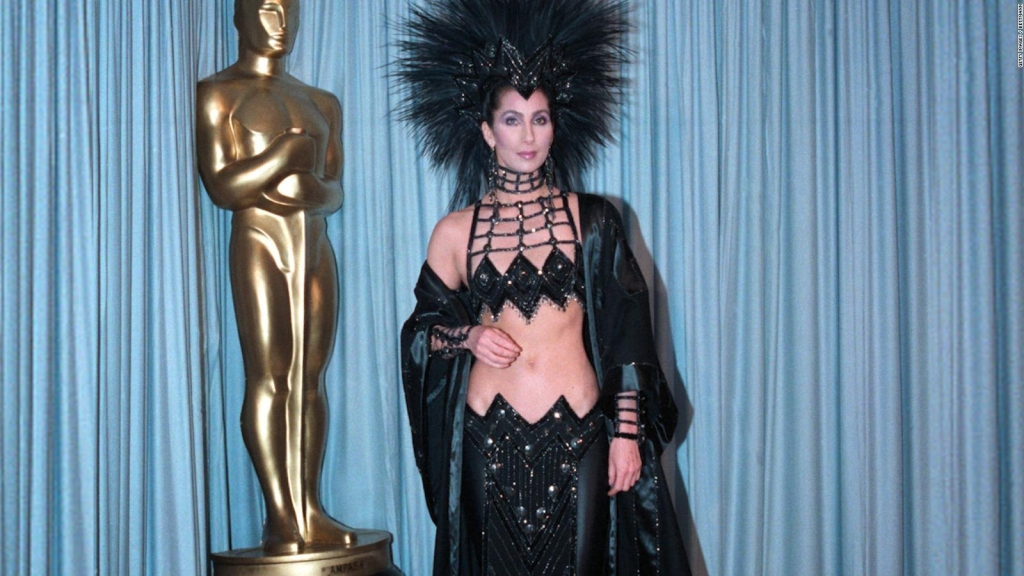 El vestido de Cher que robó la atención en los Oscar