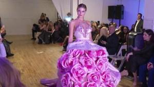 La moda en Nueva York con banda sonora mexicana