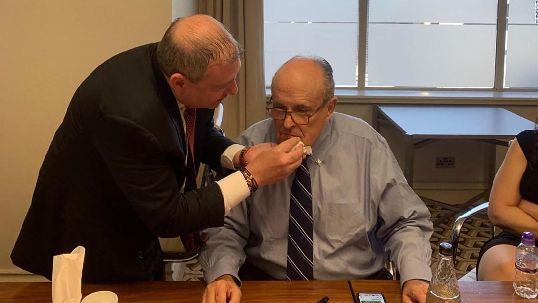 CNN obtuvo fotos de Parnas de Giuliani y el padre de Guaidó