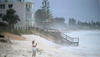 Torrenciales lluvias en Sydney apagan incendios