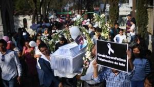 Dolor e ira en entierro de Fátima