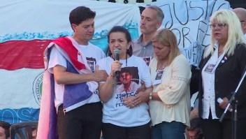 Masivo pedido de justicia por el crimen del joven asesinado en Argentina