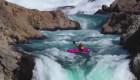 Así se sintió saltar una cascada de 40 metros con un kayak
