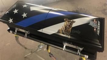 Así homenajean a un perro policía que murió en servicio