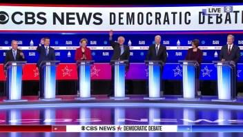 Sanders es cuestionado por sus posiciones progresistas