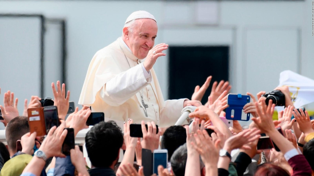 """El papa cancela reunión por """"ligera indisposición"""""""