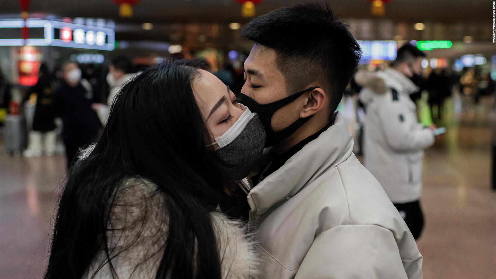 Se puede tener relaciones sexuales durante una pandemia? | Video | CNN