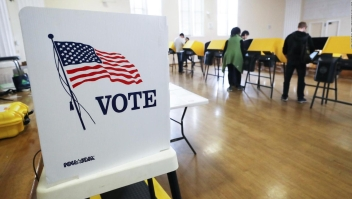 Supermartes: latinos salen a votar en Massachussets