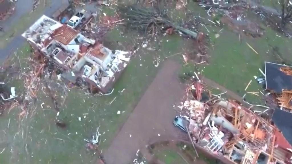 Poderoso tornado arrasó con parte de Tennessee