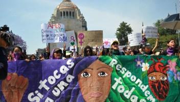 ¿Por qué AMLO dice ser humanista y no feminista?