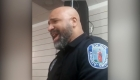 Policía impresiona con su voz y se vuelve viral