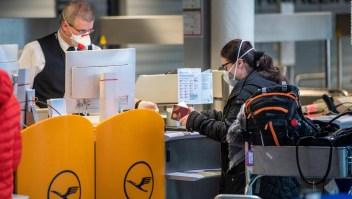 Trabajadores de aeropuertos, los más expuestos