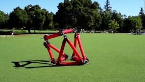 """Este robot cambia de forma como un """"Transformer"""""""