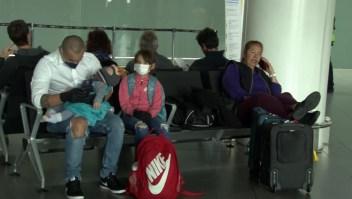 Cientos de viajeros varados en Bogotá por el coronavirus