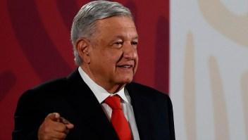 López Obrador rechaza críticas por saludar a mamá del Chapo