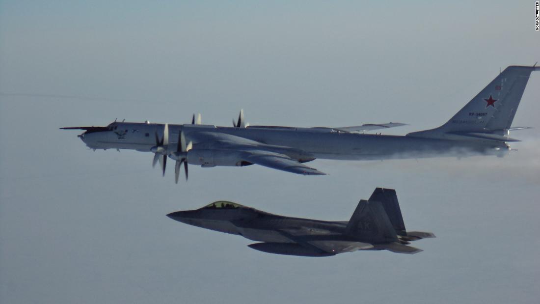 Aviones estadounidenses y canadienses interceptan aviones de reconocimiento rusos frente a Alaska