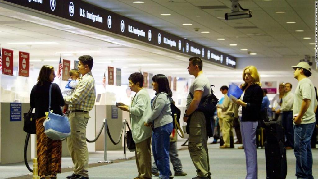 12 cambios en el sistema de inmigración de EE. UU. Durante la pandemia de coronavirus