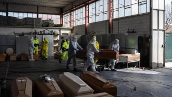 El número de muertos por coronavirus en Italia supera los 10,000. Muchos se preguntan por qué la tasa de mortalidad es tan alta