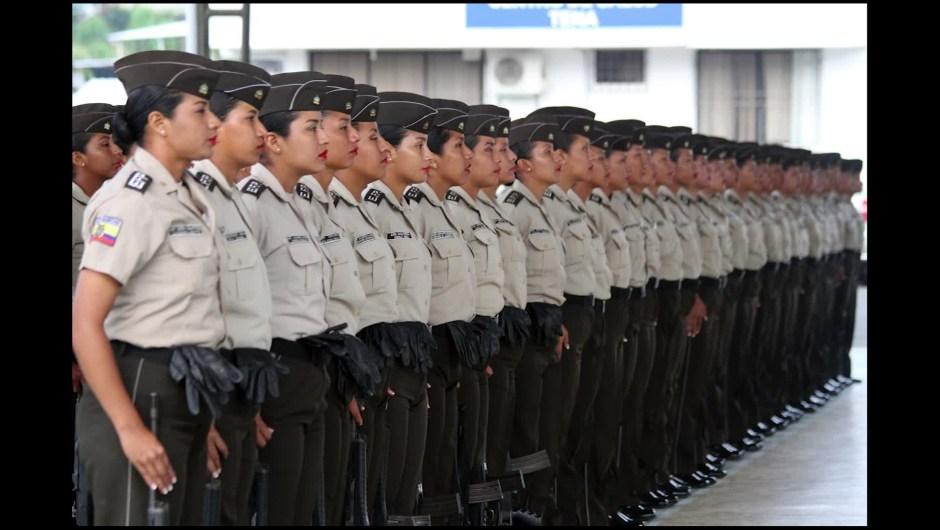Primeras mujeres indígenas graduadas policía Ecuador