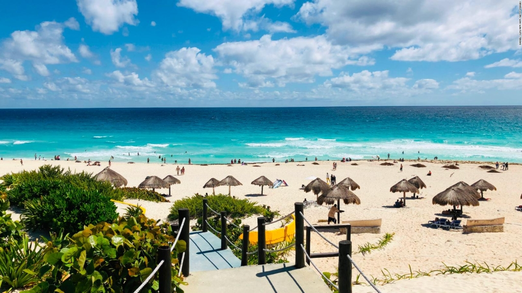 Turismo de México registrará pérdidas millonarias por coronavirus