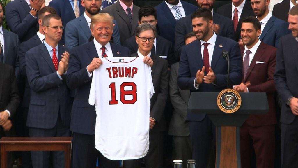 Trump busca la manera de reanudar el deporte en EE.UU.