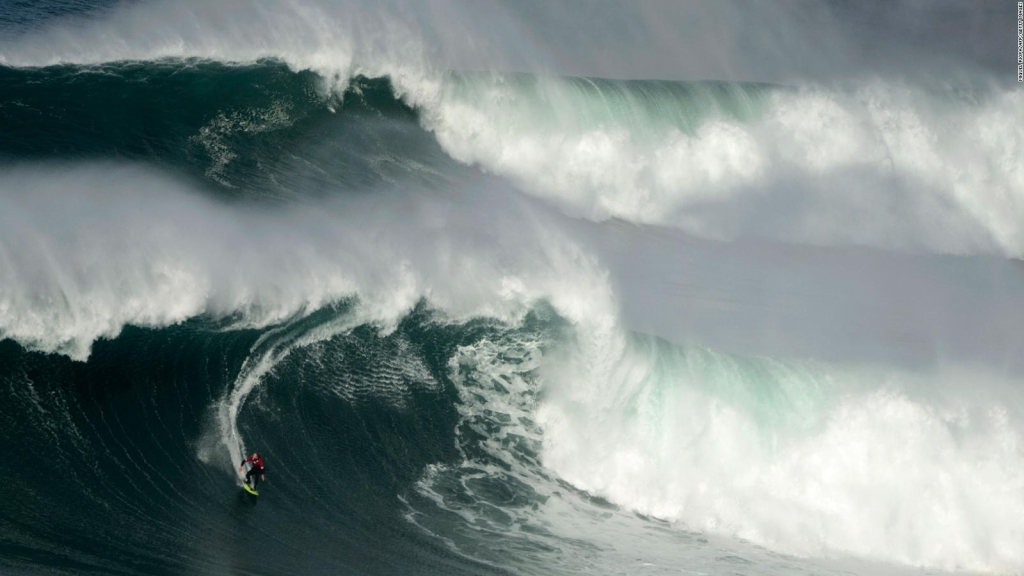 Peruana surfea ola de creatividad en casa ante el covid-19