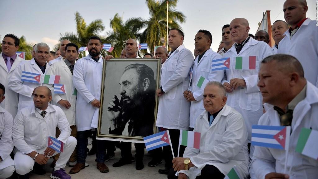 Médicos cubanos combaten el covid-19 como voluntarios