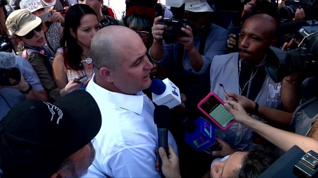 Lebarón critica a AMLO por saludar a la mamá de El Chapo
