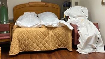 Cuerpos víctimas de covid-19 se acumulan en hospital de Detroit
