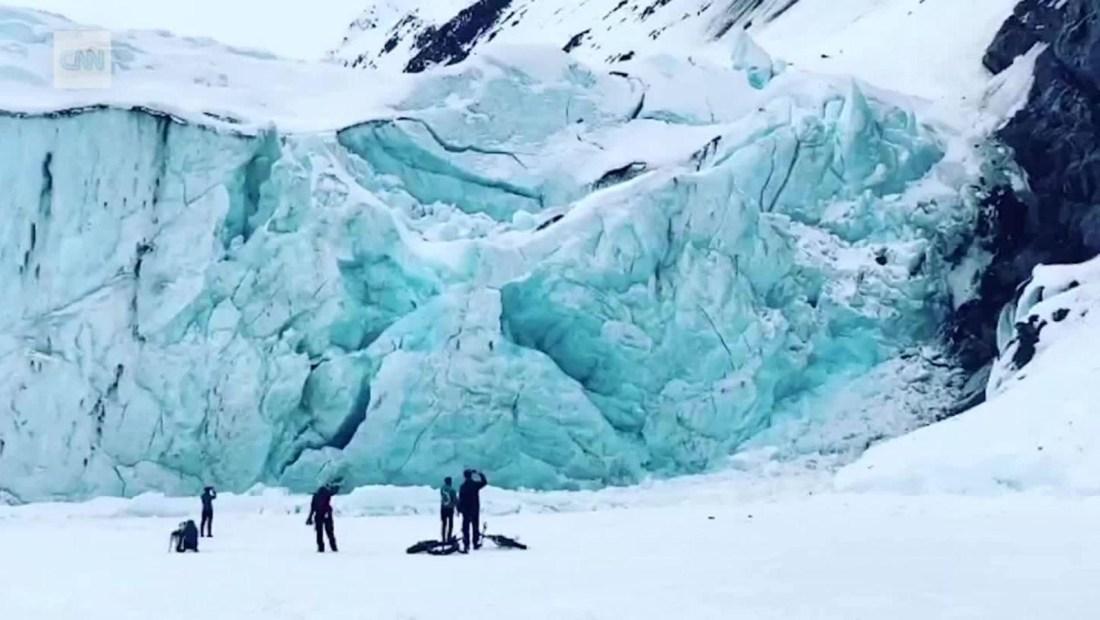 Graban en cámara lenta colapso de un glaciar