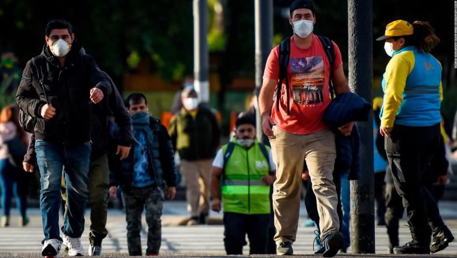 Buenos Aires, mascarilla obligatoria para andar en transporte, entrar a comercios y atención al público
