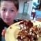 Un niño de 12 años te ayuda a cocinar durante la cuarentena