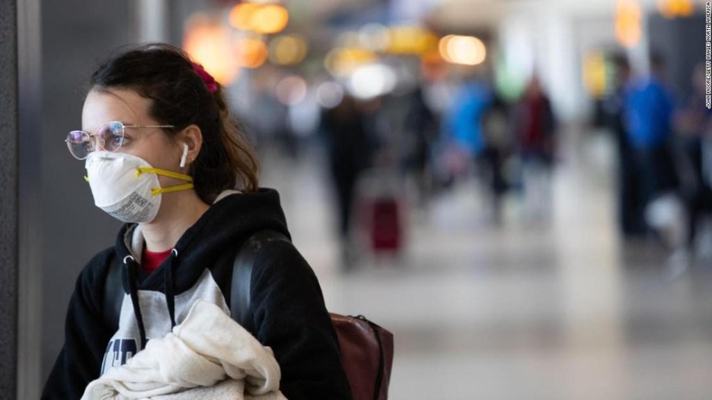 Máscaras en aviones: dónde están las cosas sobre protección personal y distanciamiento social