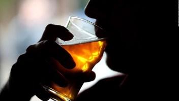 Tracit: Bebidas alcohólicas deben ser un bien esencial