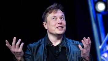 Musk reabre fábrica en California a pesar de prohibición del Gobierno