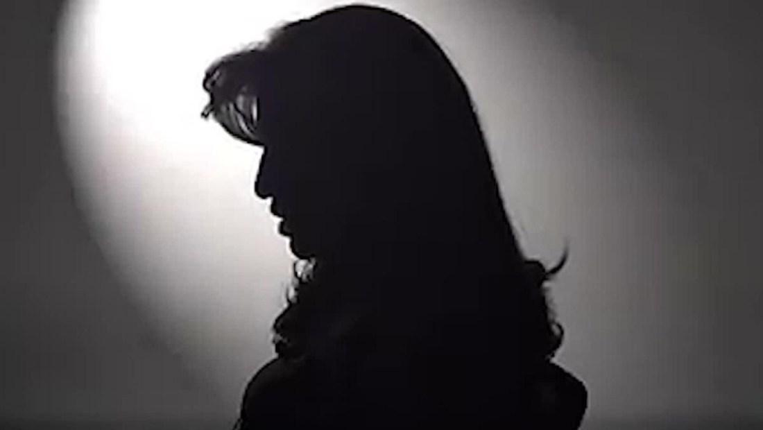 Mujer en cuarentena con su agresor pide ayuda en Bolivia