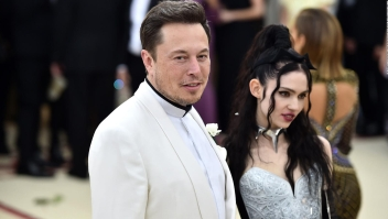 ¿Bebé multimillonario con nombre de robot?