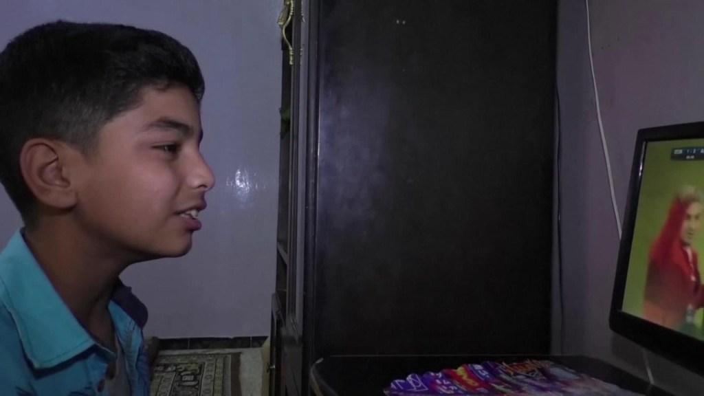 El niño sirio que narra partidos de fútbol