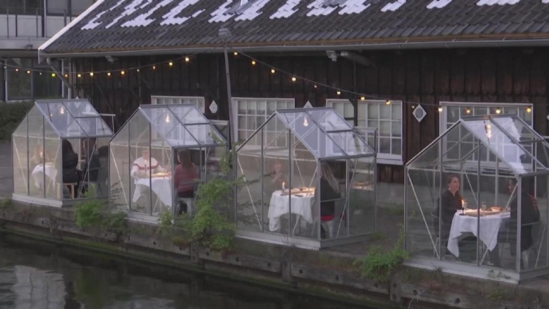 Cabañas de vidrio para cenar en plena pandemia